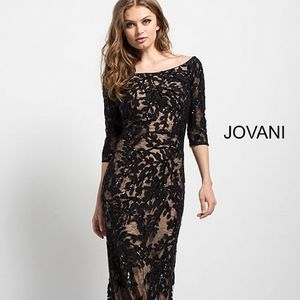 Black Lace Off the Shoulder Fitted Evening Gown